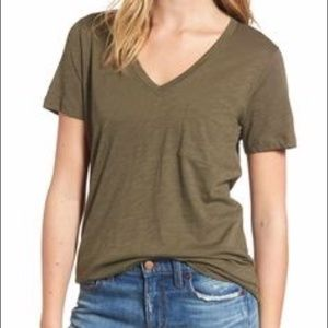 Madewell | Green whisper v-neck pocket Tshirt SZ S